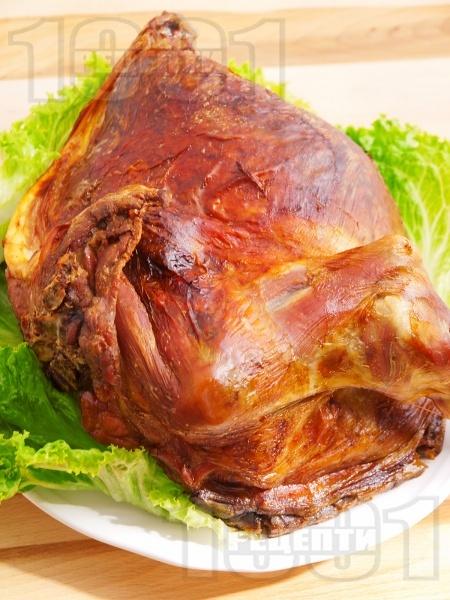 Вкусна и лесна печена агнешка плешка на фурна с олио и червен пипер - снимка на рецептата